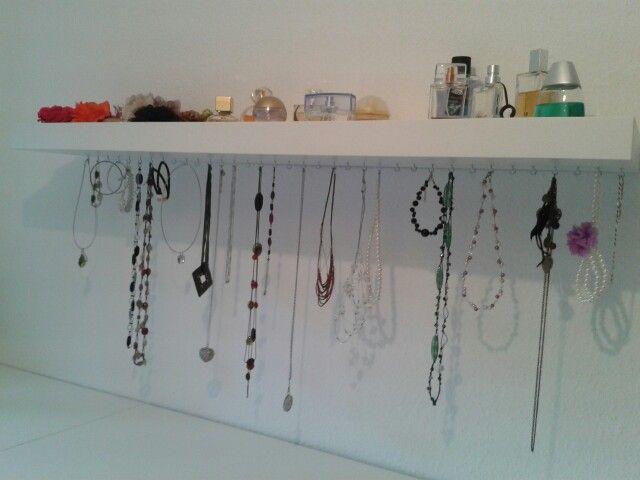 regal und ketten aufbewahrung gleichzeitig my home pinterest. Black Bedroom Furniture Sets. Home Design Ideas