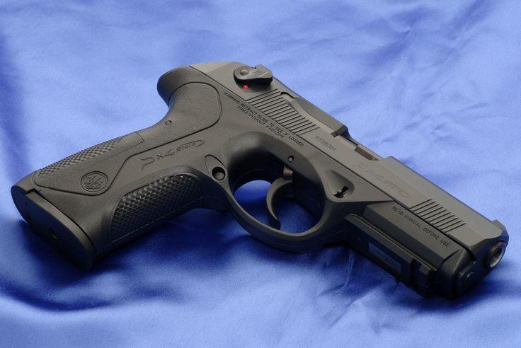 5.Beretta px4 storm  CAL:9mm,40 y 45