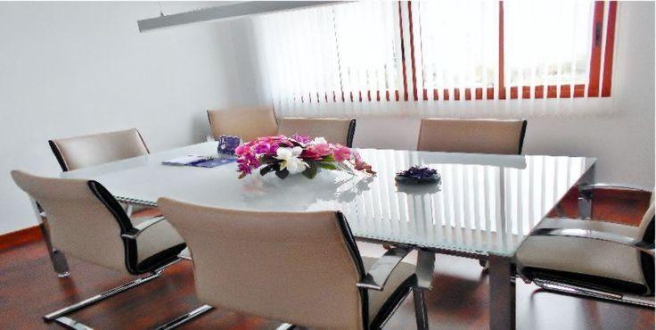 Reforma de oficinas en Teatinos, Málaga, Para el bufete de abogados Ispacolex. Reforma oficinas | Empresas reformas, Presupuesto reforma málaga