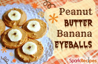 Peanut Butter Banana 'Eyeball' Snack Cracker Bites: These are great for a kid's lunch, a party appetizer or a school treat on Halloween (any other type of nut butter could also be used besides PB). Quick and simple to make--healthy, too! | via @SparkPeople #fall #recipe