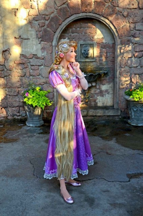 Gorgeous Tangled Themed Guest Rooms At Tokyo Disneyland: 78+ Images About Disney Characters On Pinterest