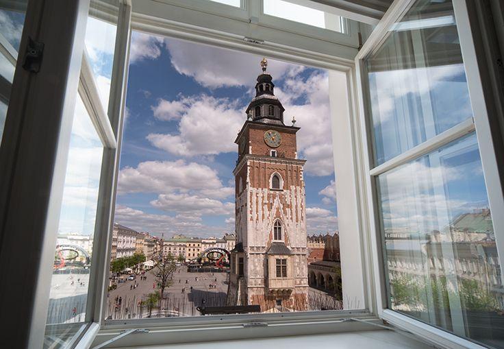 """Siedzibą Międzynarodowego Centrum Kultury jest kamienica """"Pod Kruki"""" przy Rynku Głównym 25, która od wieków jest świadkiem najważniejszych wydarzeń rozgrywających się w centrum Krakowa."""