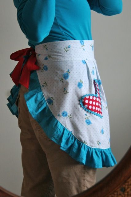 Tutorial: Diy Crafts, Fit Aprons, Half Aprons Patterns, Cute Aprons, Flirti Perfect, Heart Aprons, Flirtear Aprons, Free Patterns, Aprons Tutorials