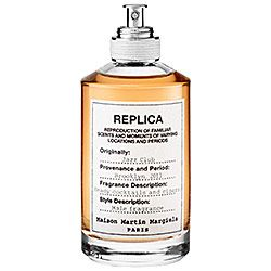 Spray on Maison Margiela's 'REPLICA' Jazz Club and experience the masculine, exhilarating ambiance of a Brooklyn jazz club. This cologne is loaded with a smooth blend of musk, vanilla, tonka bean, vetiver, and tobacco leaves to evoke a familiar but forgotten moment. #Sephora #Fragrance