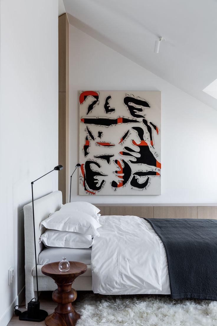 Nybrogatan 57A U2013 Penthouse | Per Jansson Fastighetsförmedling. Schlafzimmer  Einrichten Bett Kopfteil, Bettwäsche Weiß