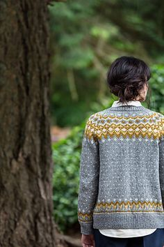 Scandinavian-style colorwork applied to a thoroughly modern shape makes Galloway an eye-catching piece that's engaging to knit and pure fun to style. The exaggerated deep V of the open fronts can be overlapped and belted closed or left to hang in sculptural freedom. Trim raglan shoulders keep the fit tidy and stable above. Worked in the round with a steek, this pattern teaches and hones advanced knitting skills. The single-ribbed edge is picked up and worked after cut edges are secured, with…