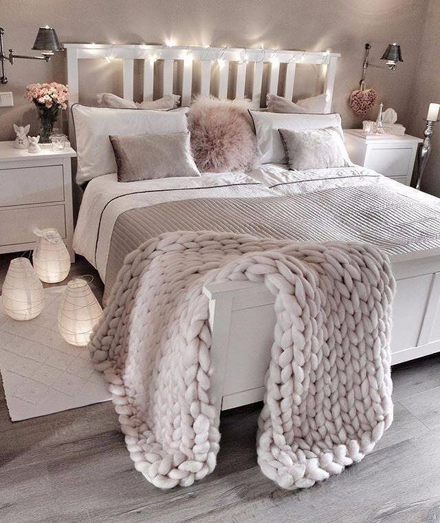 Cozy Rustic Farmhouse Bedroom Ideas Boho Vintage Romantic Bedding Design Simple And Elegat In White Pink Bedroom Design Bedroom Makeover Bedroom Decor
