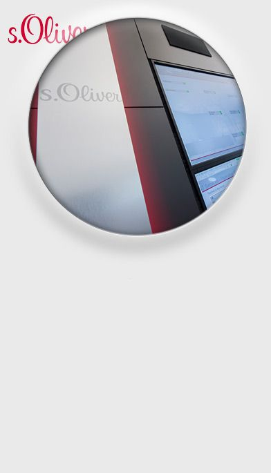 JST S.Oliver  Referenz Kontrollraum Leitstand Großbildwand Videowall Jungmann Systemtechnik Multiconsoling Operator-Desk Operator-Möbel Broßbildtechnik Videowand