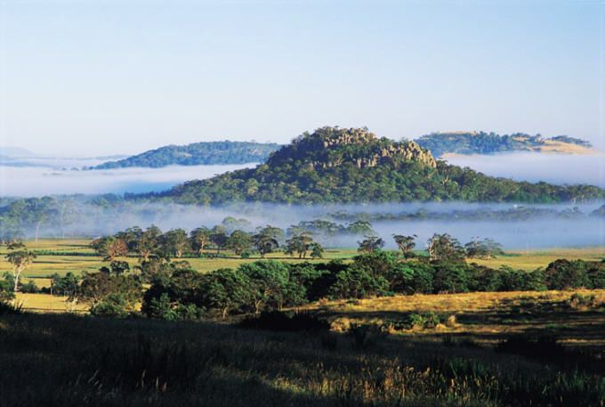 The hauntingly beautiful Hanging Rock, Vic, as photographed by Macedon Ranges Ulysses http://www.mrug.net/