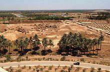 Vista parcial de las ruinas de Babilonia desde el palacio de Saddam Hussein.