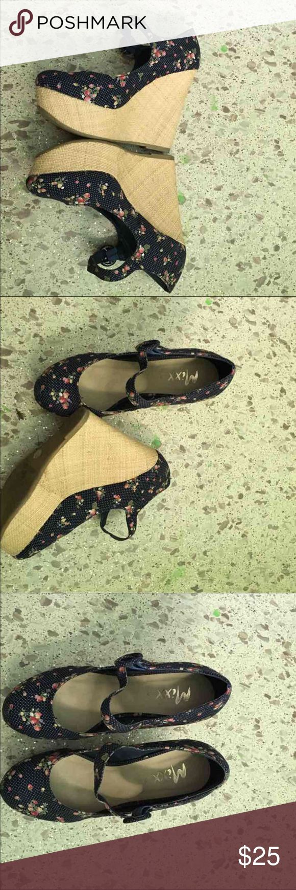 Beautiful Floral Wedge Size 7 comfortable pretty ladies Wedge Shoes Wedges