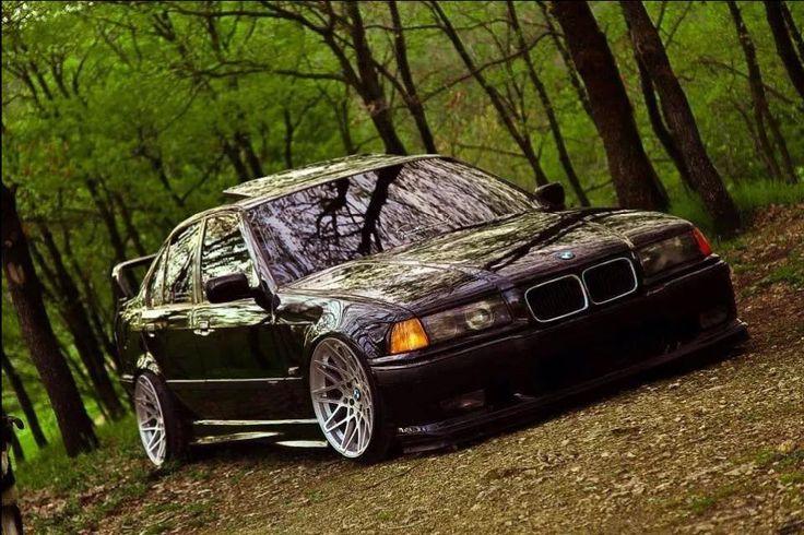 BMW E36 3 series black slammed