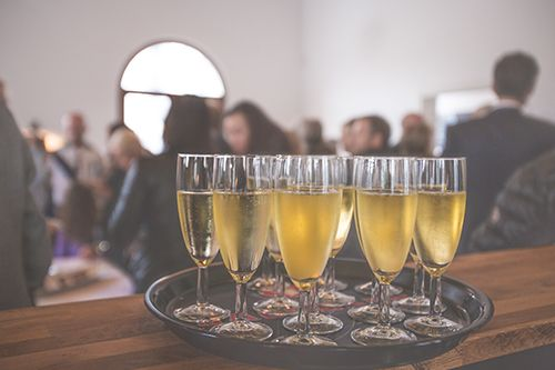 How to Organize a Holiday Office Party!