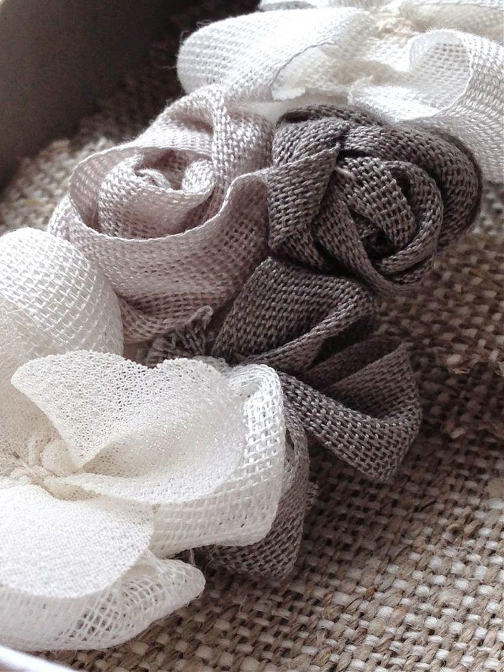 El atelier de las Pulgas: Pasador en tonos blancos y grises. Comunión.