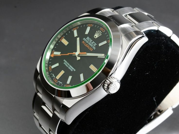 RolexMilgauss 116400 GV LC100 Full Set Green CrystalReference:116400GVMechanism: AutomatikCase: SteelBracelet: SteelCondition - Very Good (1)Year: 5/2015With Box and documentsDiameter: 40 mmGlass: SapphireDial: Black12 months warrantyCenter Seconds, Luminescent Hands, Chronometer, Screw-Down Crown, Luminous indexes