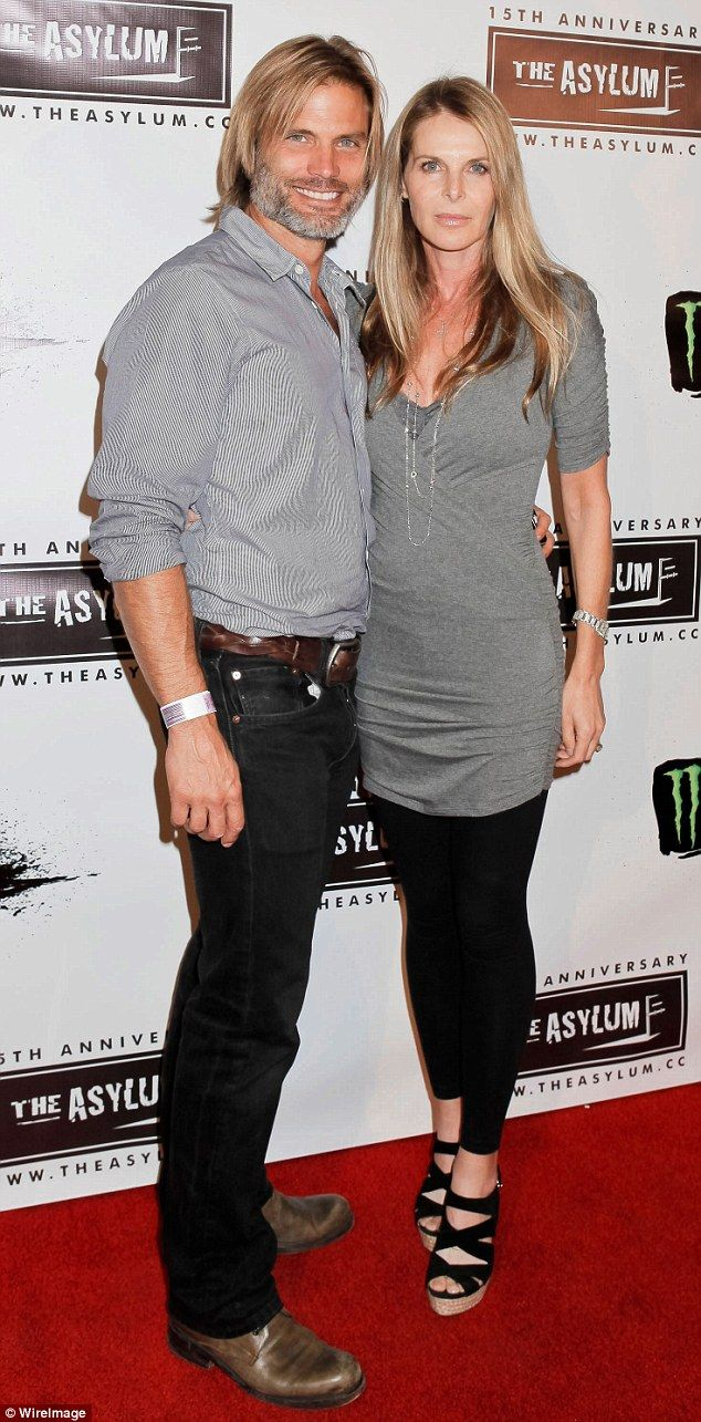 They're done:Casper Van Dien, 46, and Catherine Oxenburg, 54, are calling it quits, according to TMZ on Friday