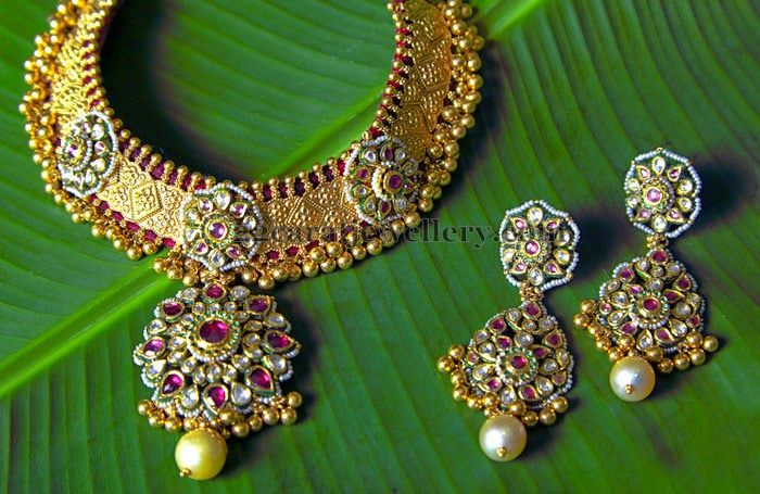 Jewellery Designs: Choker with Colorful Kundan Earrings