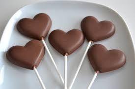 Resultado de imagem para chocolates tumblr