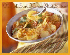 Het is bijna zomer en vooral de zomer is bij uitstek de tijd voor lekkere salades....Dit heb je nodig1 kilo vastkokende aardappelen3 rode uien1 kleine rode peper1 volle eetlep