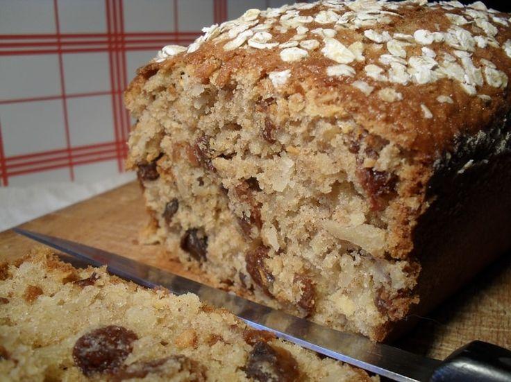 Cake son d'avoine, amandes et raisins secs