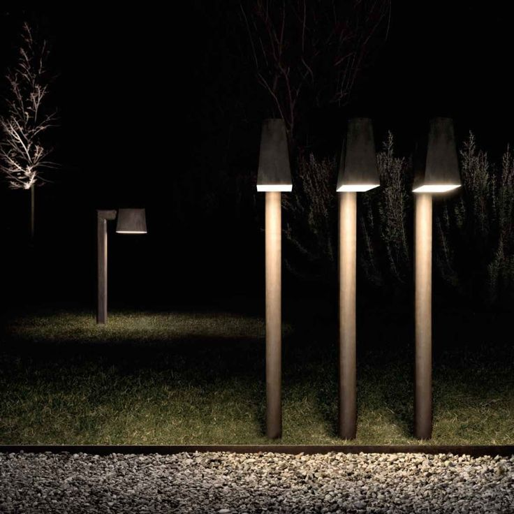 Innate style and versatility. Saint-Tropez is a collection of outdoor lamps, inspired by the famous French holiday resort, where beauty meets functionality and accompanies the outdoor life with elegance. #Sainttropez
