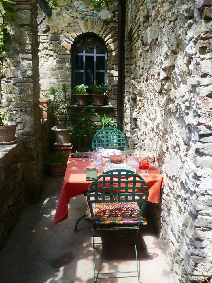 Delightful vine covered pergola on balcony immediately outside sitting/living room. Email venzano1@gmail.com