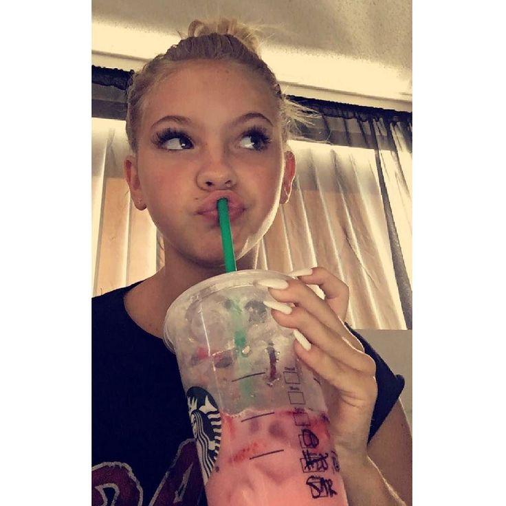 @jordynjones' strawberry acai drink  SC: jordynjones11 #pinkdrink