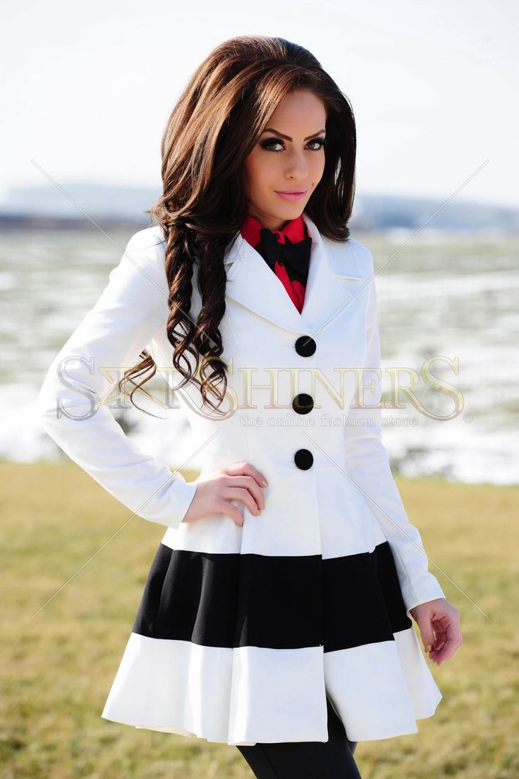 Artista Rising Beauty White Trechcoat