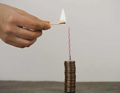 «Ничего никому не возвращаем». Покупку страховки при оформлении кредита заемщик рассматривает либо как навязанную услугу, либо как защиту, на случай если он больше не сможет выполнять свои кредитные обязательства.