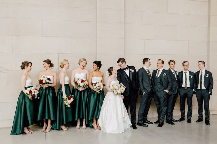 Set at the gorgeous Art Gallery of Ontario, Titania & Jason's big day is a beautiful balance of timeless elegance & modern minimalism. See the photos here.