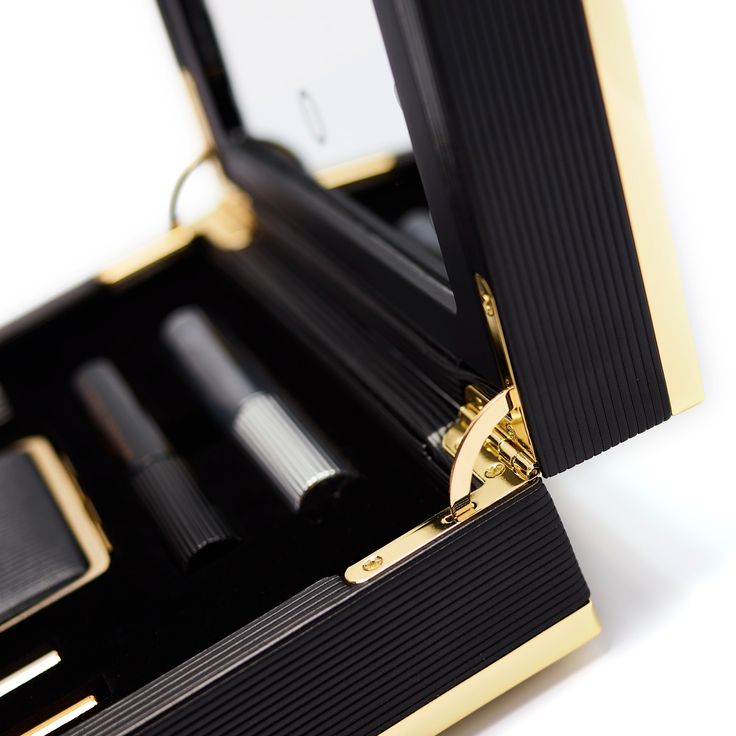 Manufacturer: MW Luxury Packaging  Project Type: Produced, Commercial Work  Client: Estee Lauder  & Victoria Beckham  Location: UK  Pack...