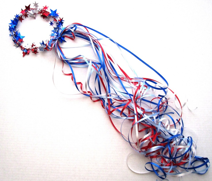 Everyday Celebrations: tutorial:  Quick & Festive 4th of July Crowns (wire star garland & curling ribbon).