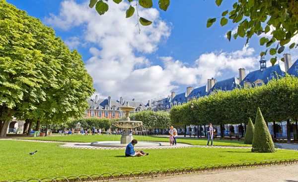 Marais Quarter Highlights with Place Des Vosges Walking Tour: For booking information please go to: www.letzgocitytours.com/package/marais-quarter-highlights-with-place-des-vosges-walking-tour