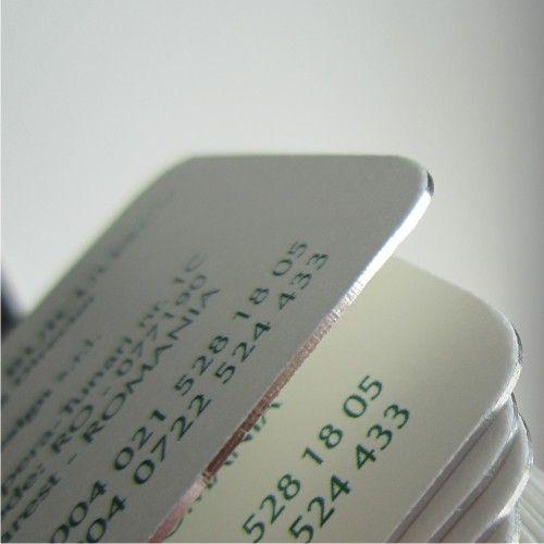 Carti de vizita Lux. Carton, aurite sau argintate pe cant, cu colt rotund numai bune de receptii si protocol inalt. www.atip.ro