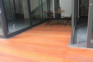 Pemasangan lantai kayu di pak moral bekasi