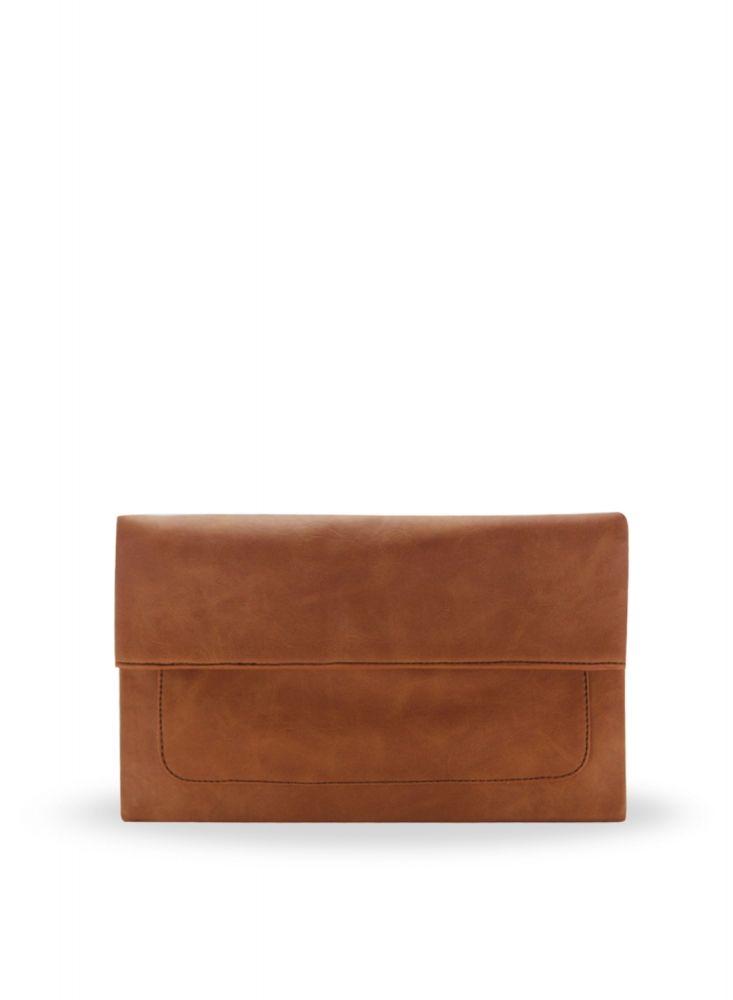 Freesia clutch bag #clutchbag #taspesta #handbag #clutchpesta #fauxleather #kulit #folded #dove #simple #casual #brown Kindly visit our website : www.bagquire.com