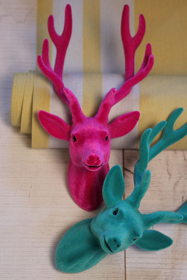 Een roze en groen hert kan deze kerst! Een kleurrijke kerst met de Arty stijl #kerst #praxis #marijkeschipper