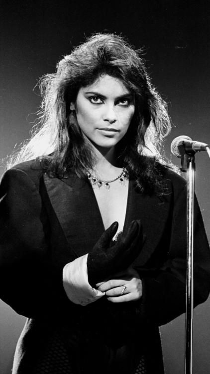 Denise Matthews,  the singer who fronted Vanity 6 and collaborated with Prince, has died at the age of 57.
