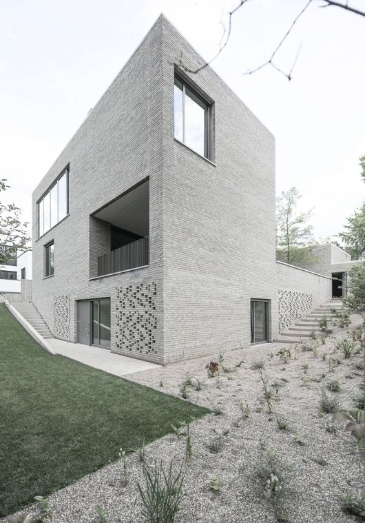 House Z in Frankfurt, Germany by Bayer und Strobel Architekten.