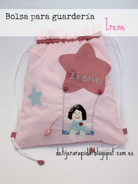Bolsa personalizada para guarderia en tonos rosas. Con el nombre bordado y un botón muy gracioso. Por dentro va forrada y tiene un bolsillo que se cierra con snap.