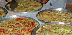 Bateu vontade de fazer uma pizza em casa com sabor de pizza feita na pizzaria? A receita é muito simples. Massa de Pizza Profissional.