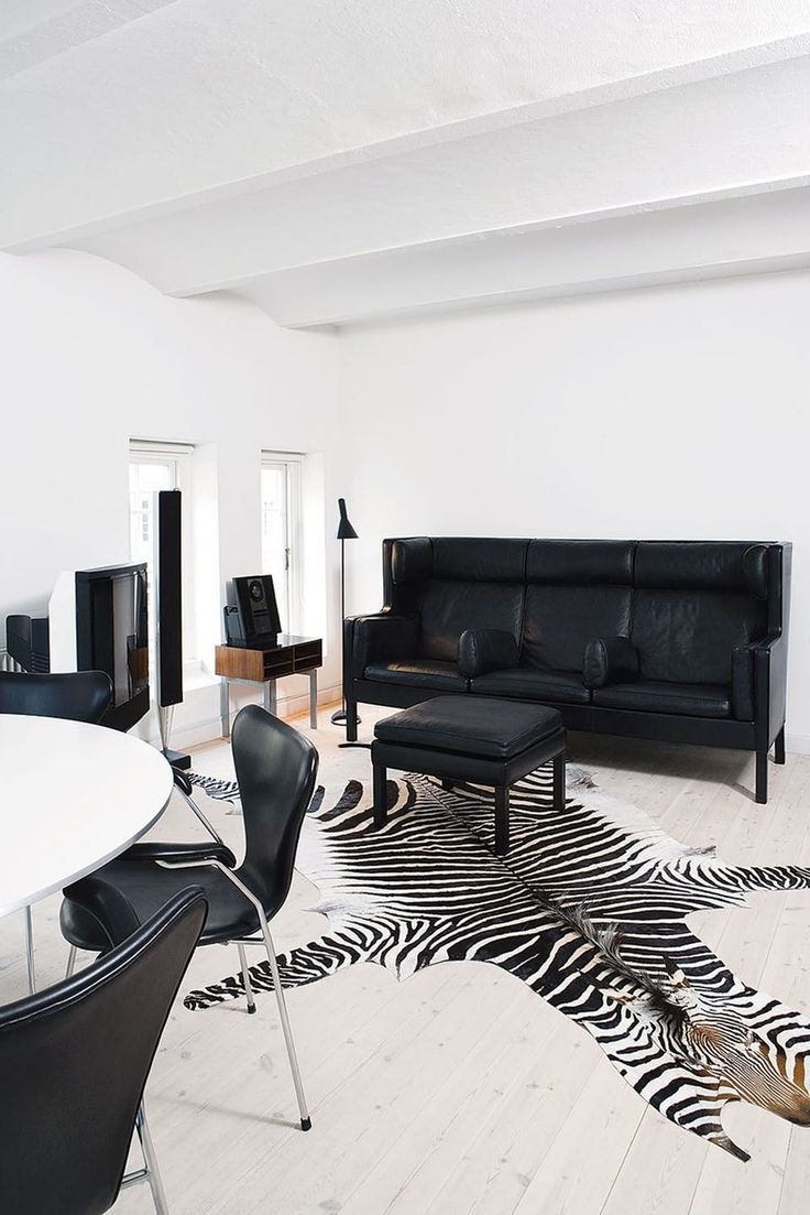 White Leather Living Room 17 Best Ideas About White Leather Sofas On Pinterest Living Room