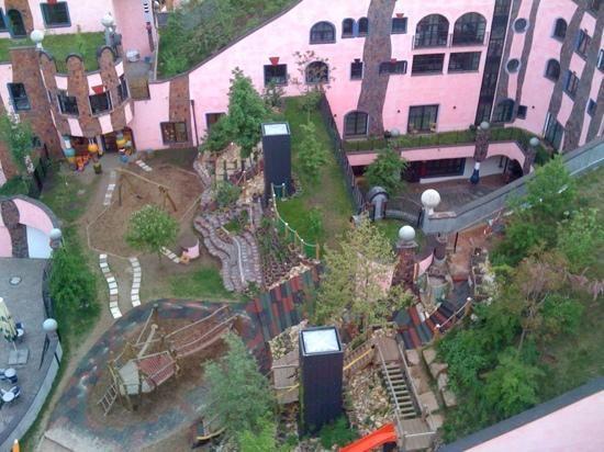 magdeburg grüne zitadelle   Blick auf Spielplatz des Kindergartens - Bild von Die Grüne Zitadelle ...