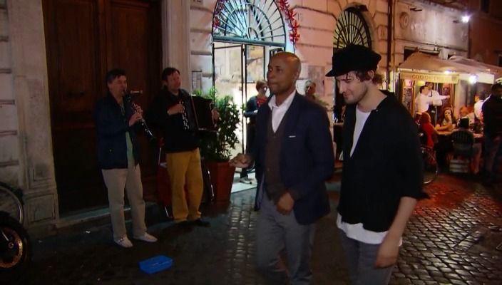 De hele week Kensington bij RTL Late Night! De band nam hun nieuwste album 'Control' op in Rome. Humberto sprak de mannen van Kensington in de studio, het appartement en hun favoriete plekken van de Italiaanse hoofdstad. Zanger Eloi Youssef nam Humberto mee tijdens een avondwandeling door Rome.