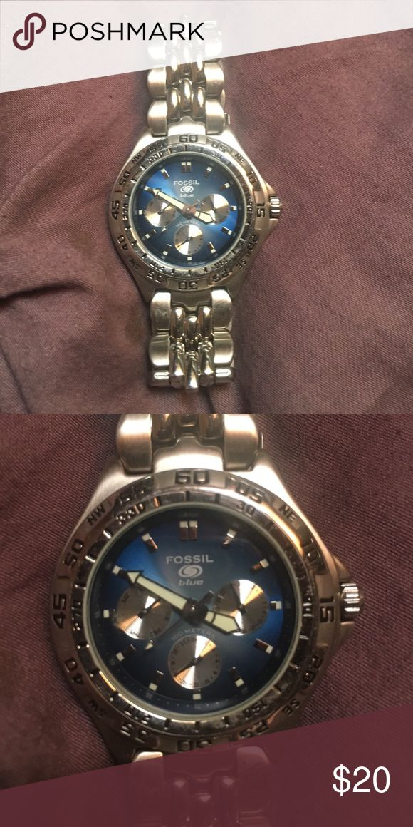 Men's Fossil Watch Silver with Blue Face Fossil Men's silver watch with blue face Fossil Accessories Watches