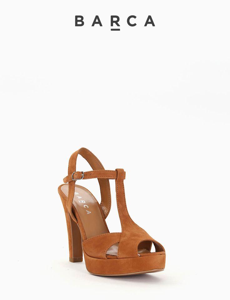 #Sandalo #tacco 90 con #plateaux 2 cm, fondo gomma e soletto in vera #pelle, tomaia in morbido #camoscio spuntata, cinturino di chiusura regolabile.  COMPOSIZIONE FONDO GOMMA, SOLETTO VERA PELLE  CARATTERISTICHE Altezza tacco 9 cm  COLORE #CUOIO  MATERIALE #CAMOSCIO  #sandali #heels #tacchi #fashionblogger #fashionblog #outfit #springsummer