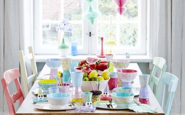 Stôl plný farieb | Bonami