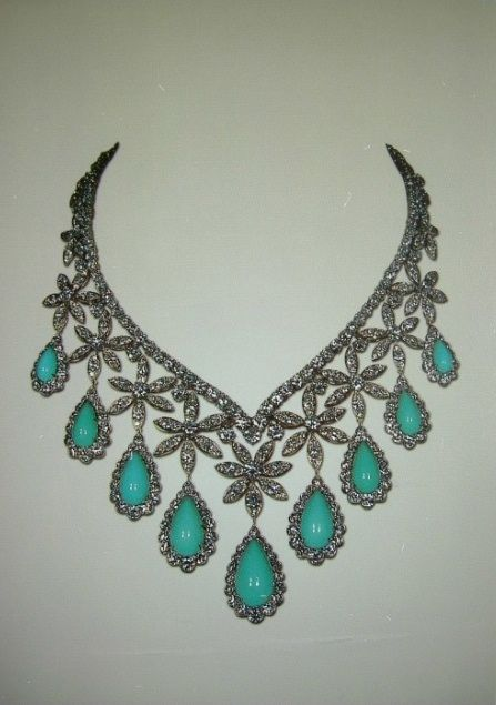 Collar de diamantes y turquesas de la emperatriz Fara de Persia.