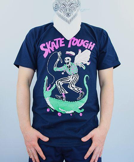 Stussy Skate Skeleton Tee navy   - klasyczny męski T-Shirt Stussy - ściągacz wokół szyi - kolor: granatowy - grafika przód, tył - 100% bawełna - T-Shirt wykonany z najwyższej jakości materiału  - 100% oryginalny  #stussy #tee #streetwear #streetwearonlinestore #stussysale