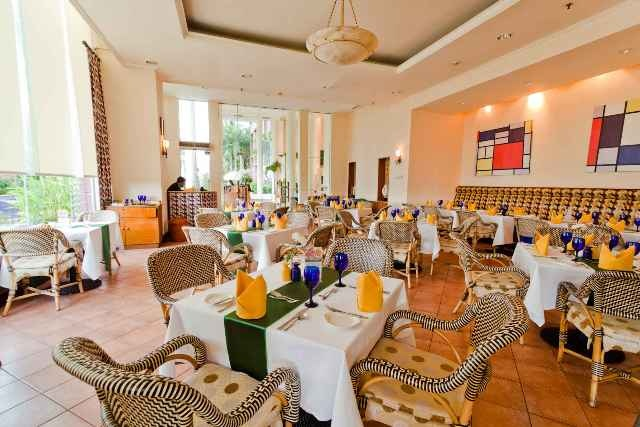 Bellini Restaurant Hotel Aryaduta Makassar